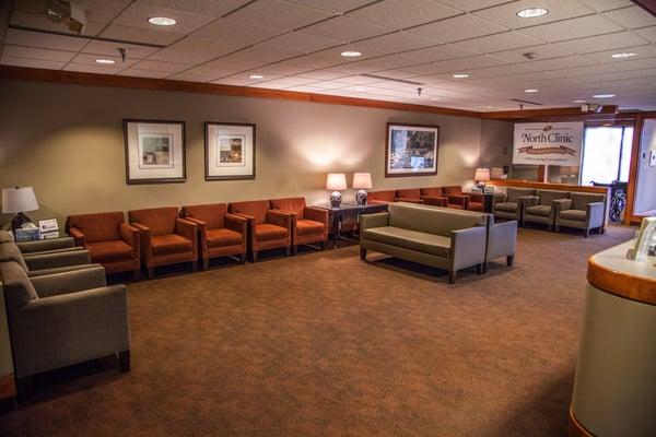 north-clinic-osseo-location-interior-lobby